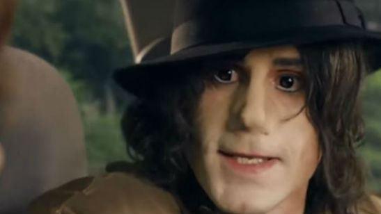 Exibição de telefilme com Joseph Fiennes interpretando Michael Jackson é cancelada após reclamações da família do cantor