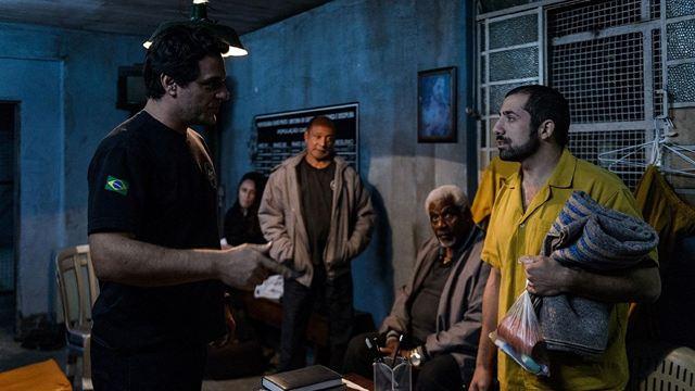 Carcereiros: Rebelião estoura e toma conta da cadeia em novo trailer do filme