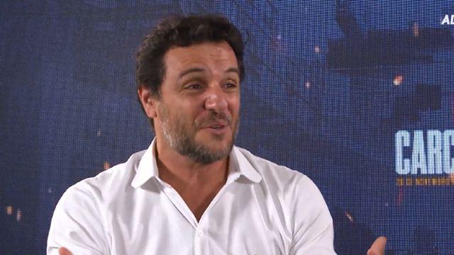 """Carcereiros - O Filme: """"A gente queria fazer uma série que fosse igual ao filme, mas não podia"""", diz Rodrigo Lombardi (Entrevista Exclusiva)"""