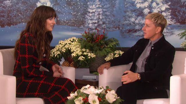 Em entrevista, Dakota Johnson e Ellen DeGeneres passam por momento constrangedor