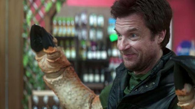 Esquadrão Trovão: Entenda como Jason Bateman ganhou as patas de caranguejo no filme da Netflix