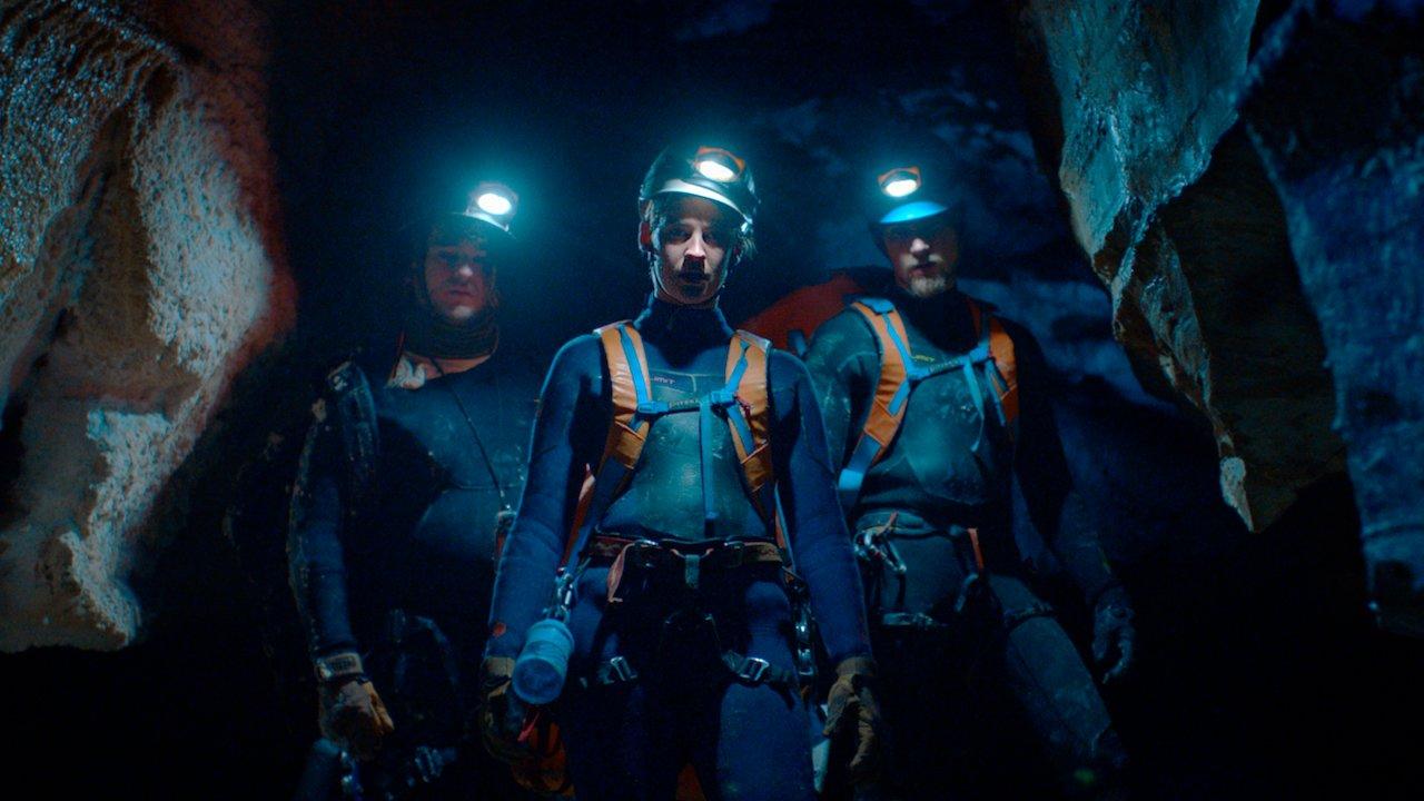A Caverna: Novo filme da Netflix tem semelhanças com Dark? Entenda! -  Notícias de cinema - AdoroCinema