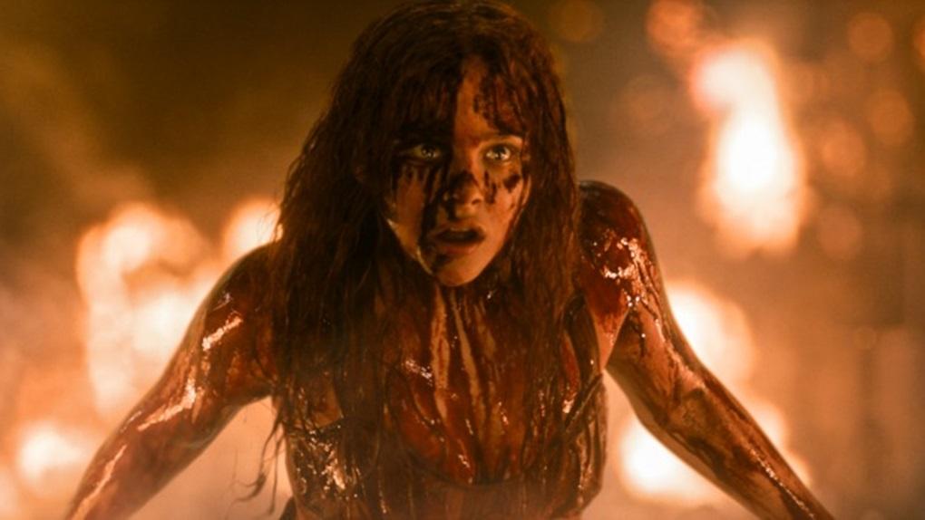 Carrie, a Estranha (23h15 - SBT)