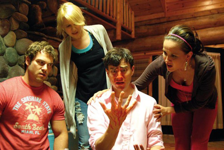 Um Pouco Zombie: Crystal Lowe, Kristopher Turner, Kristen Hager