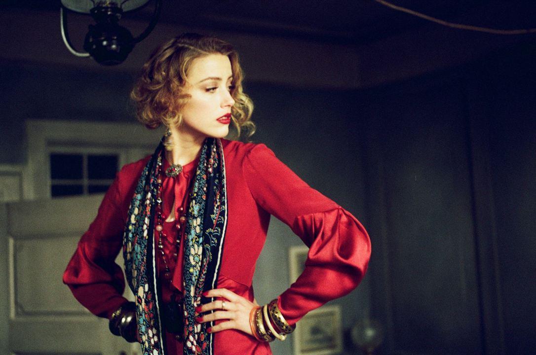 A Garota Dinamarquesa: Amber Heard