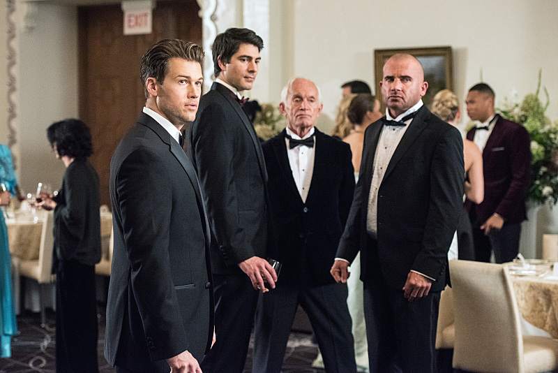 Foto Brandon Routh, Dominic Purcell, Lance Henriksen, Nick Zano