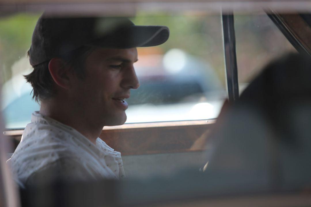 The  King: Ashton Kutcher