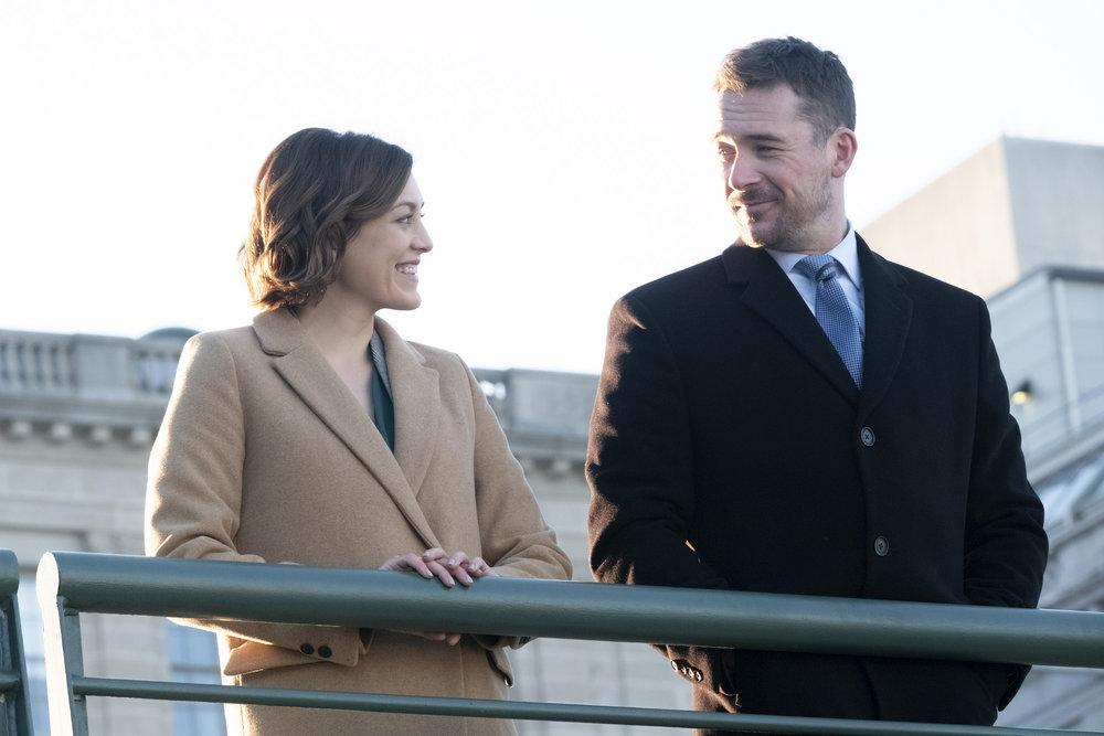 Foto Barry Sloane, Caitlin McGee
