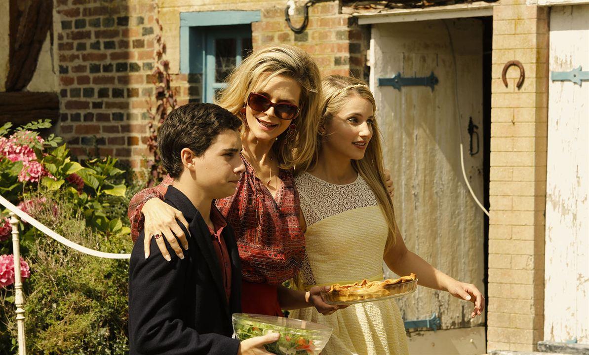 A Família : Foto Dianna Agron, John D'Leo, Michelle Pfeiffer